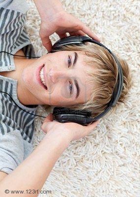 IMPROVE YOUR LISTENING COMPETENCE